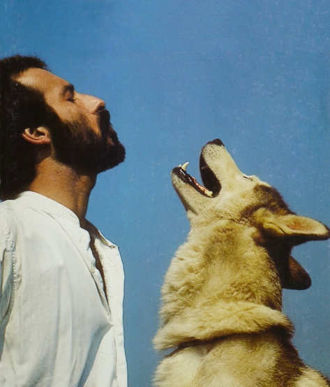 Roger Abrantes in 1986 howling with husky.